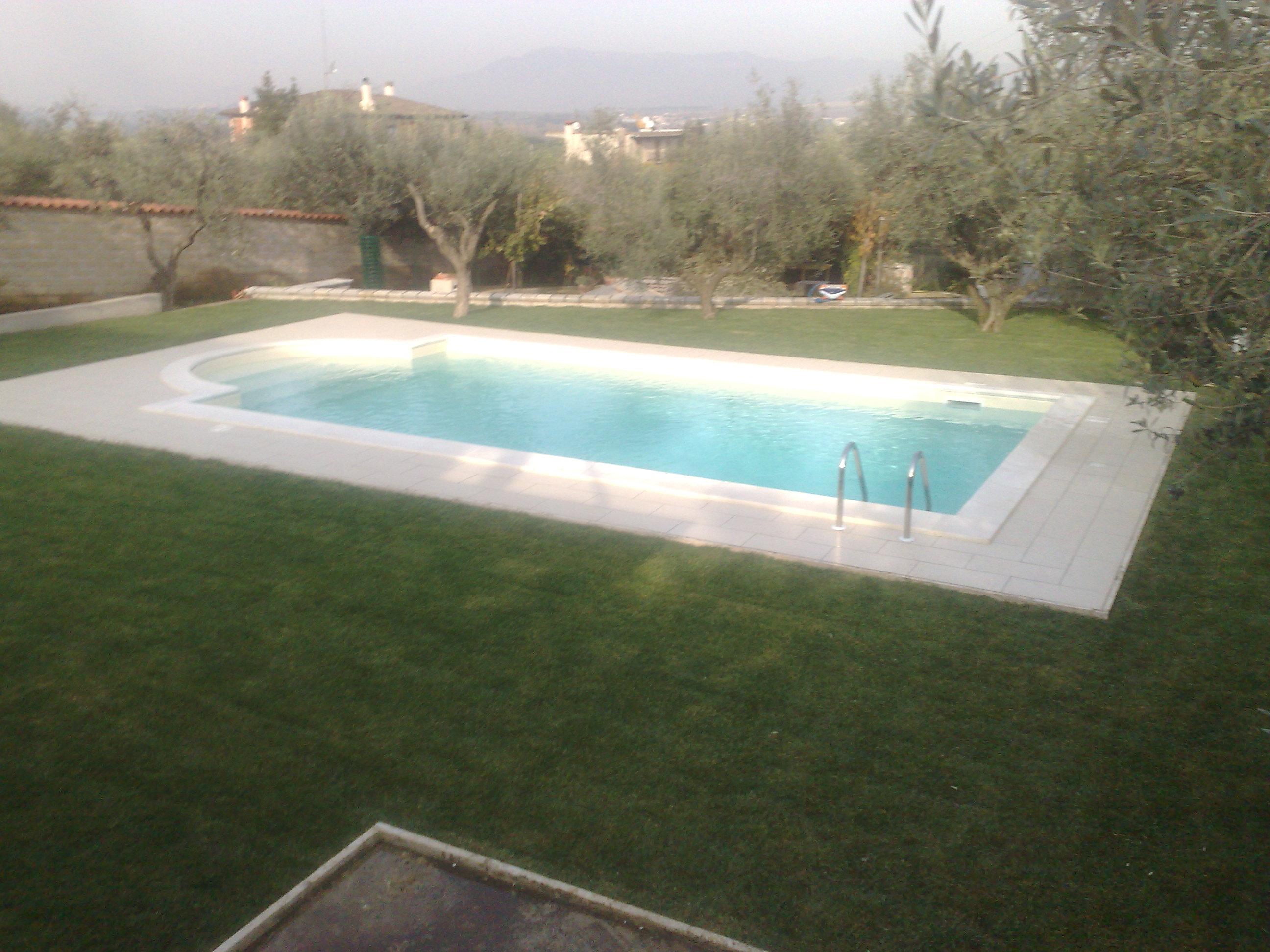 Costruzione piscine roma manutenzione tivoli guidonia - Stampi piscine vetroresina ...