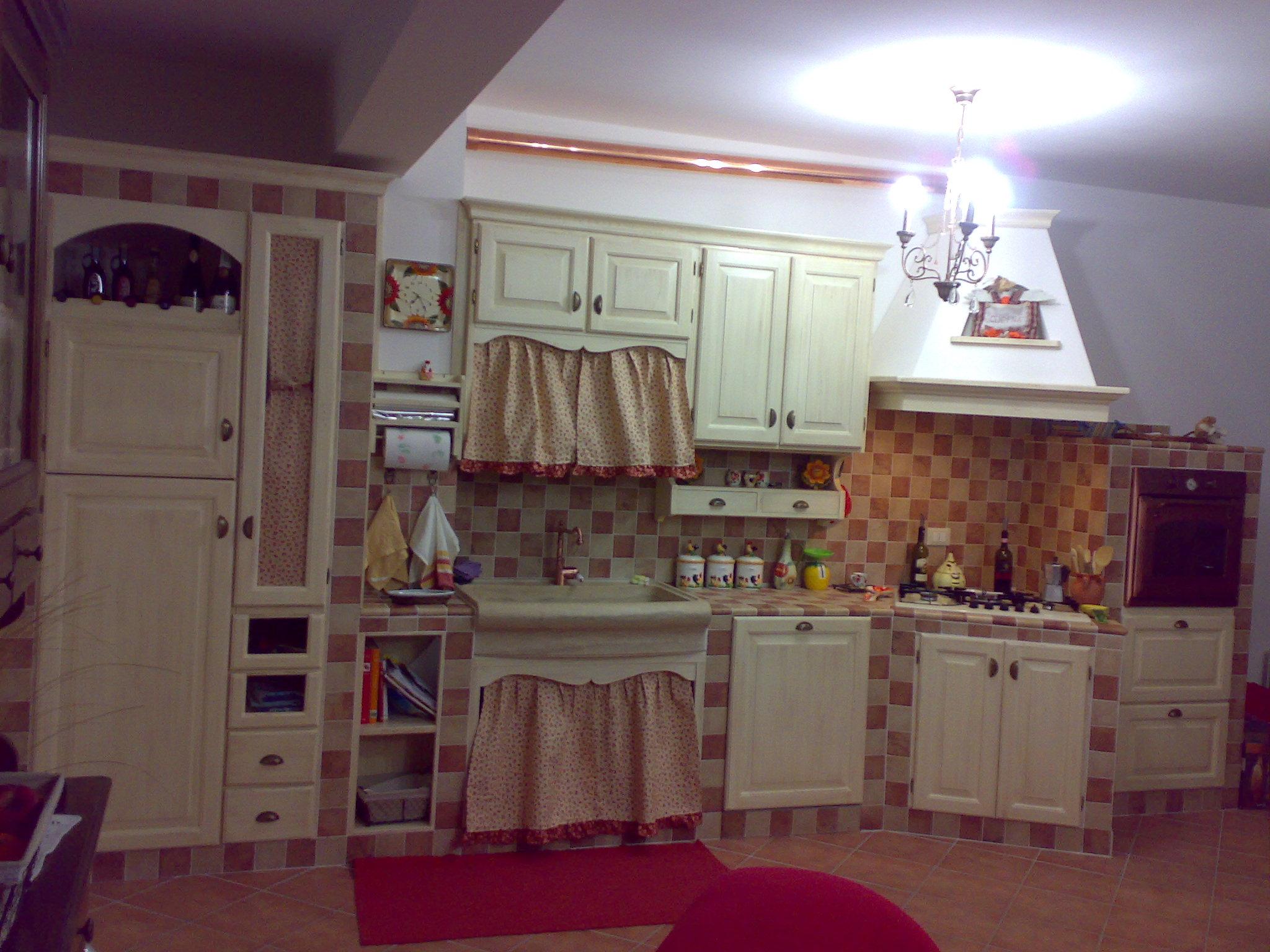 Cucina Emanuela Cucina In Muratura Patinata Crema Ma Disponibile In  #40242D 2048 1536 Rivestimenti Cucina Con Disegni